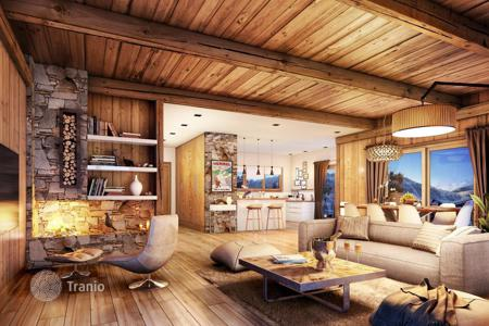 4 bedroom houses for sale in Auvergne-Rhône-Alpes. Luxury chalet with spacious terrace in a ski resort in Meribel, French Alps, France