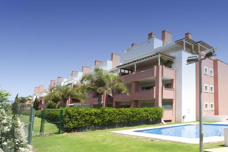 Apartments for sale in San Roque. A fantastic 3 bedroom apartment in Ribera de la Tenca, Sotogrande Costa