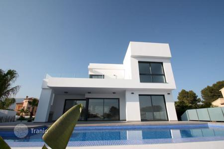 4 bedroom houses for sale in Calpe. MODERN VILLA IN CALPE