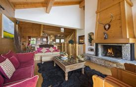 Property to rent in Verbier. Cozy chalet apartment with 7 bedrooms, fireplace, balconies, ski and boot storage and parking, Verbier, Switzerland