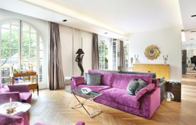 Luxury 2 bedroom apartments for sale in France. Paris 6th District – A near 200 m² apartment in a prime location