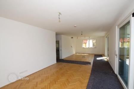 2 bedroom apartments for sale in Vienna. Modern two bedroom apartment with balcony in Döbling, Austria