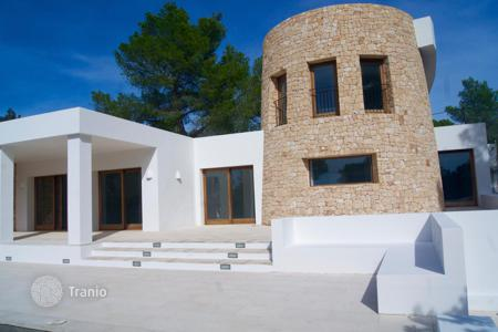 Coastal houses for sale in Balearic Islands. Villa – Ibiza, Balearic Islands, Spain