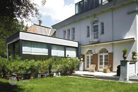 Luxury property for sale in Austria. Magnificent Art Nouveau style villa in prestigious district of Vienna