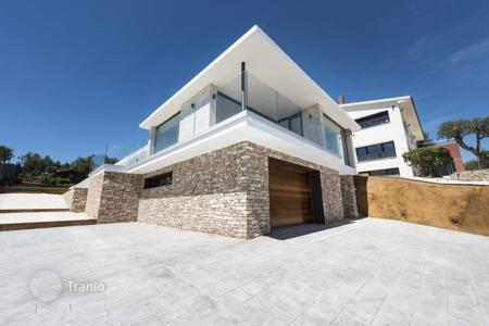 Houses with pools for sale in Catalonia. Villa in Castell-Platja d'Aro with panoramic view at the sea and with private pool, Costa Brava, Spain