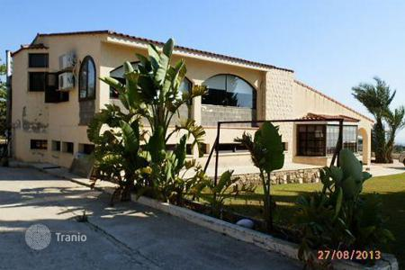 Luxury houses for sale in Tala. 4 Bedroom Villa with big plot, Tala
