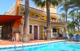 6 bedroom houses for sale in Spain. Villa – Torrevieja, Valencia, Spain