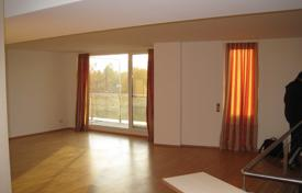 Residential for sale in Liesing. Three-bedroom penthouse with a view of the Vienna woods near the railway station Liesing, Vienna