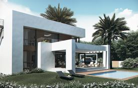 4 bedroom houses for sale in El Paraíso. Villa with terraces of more than 200 m², garden, swimming pool, garage, in a residence close to golf courses, in El Paraiso, Malaga, Spain