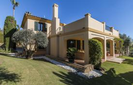 3 bedroom houses for sale in Andalusia. Magnificent villa with views in Sotogrande Alto