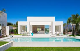 4 bedroom houses for sale in Alicante. Luxury villa with sea views in Las Colinas Golf