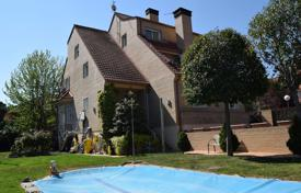 Property for sale in Madrid (city). House with a swimming pool in the district of Aravaca, Madrid, Spain