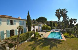 Luxury houses for sale in Provence - Alpes - Cote d'Azur. Panoramic seaview villa with a landscaped park, a pool, terraces, a garage and a small chapel in the district of Fabron, Nice, France