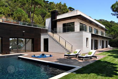 5 bedroom houses by the sea for sale in Catalonia. Villa – Sant Feliu de Guixols, Catalonia, Spain