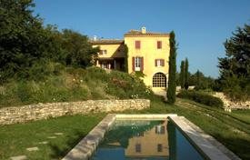Residential for sale in Lacoste. Close to Bonnieux — House with panoramic views