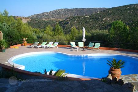 Houses with pools by the sea for sale in Sardinia. Villa – San Teodoro, Sardinia, Italy