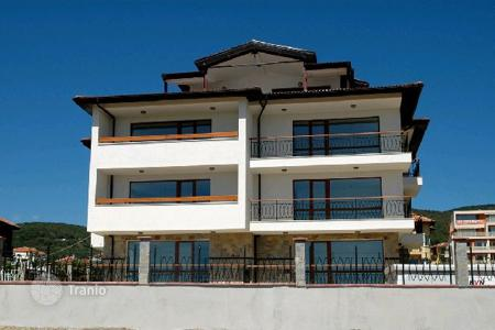 Apartments with pools by the sea for sale in Sveti Vlas. Apartment – Sveti Vlas, Burgas, Bulgaria