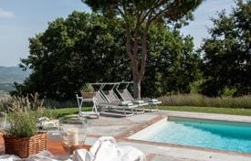 6 bedroom villas and houses to rent in Siena. Villa – San Casciano dei Bagni, Tuscany, Italy