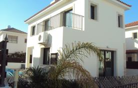 3 bedroom houses for sale in Paralimni. A 3 bedroom Detached House with Pool and Title Deeds in Kapparis