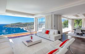 4 bedroom houses for sale in Villefranche-sur-Mer. Stylish, modern villa with stunning views over the bay of Villefranche-sur-Mer