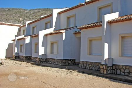 Cheap townhouses for sale in Benissa. Terraced house – Benissa, Valencia, Spain