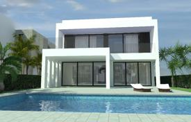 Houses with pools for sale in La Marina. New villas with swimming pools near the beach in La Marina, Alicante, Spain