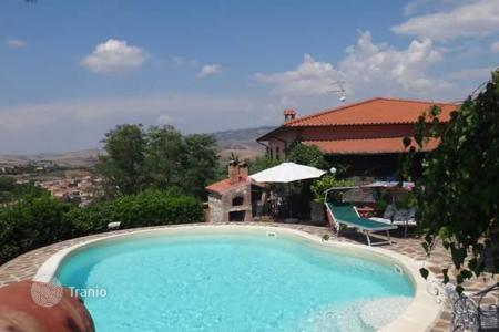 Houses for sale in Volterra. Villa – Volterra, Tuscany, Italy