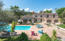 5 bedroom houses for sale in Côte d'Azur (French Riviera). Villa For Sale in La Colle-sur-Loup