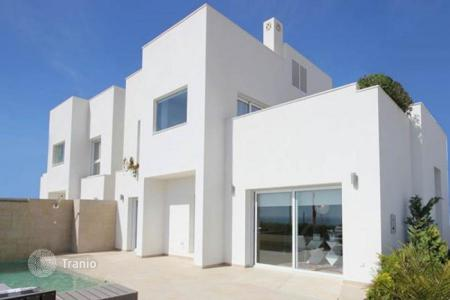 Houses for sale in Guardamar del Segura. Chalet – Guardamar del Segura, Valencia, Spain