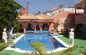 4 bedroom houses for sale in Callao Salvaje. Villa – Callao Salvaje, Canary Islands, Spain