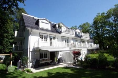 3 bedroom apartments for sale in Munich. 4-room apartment in a small apartment house in Obermenzing, Munich