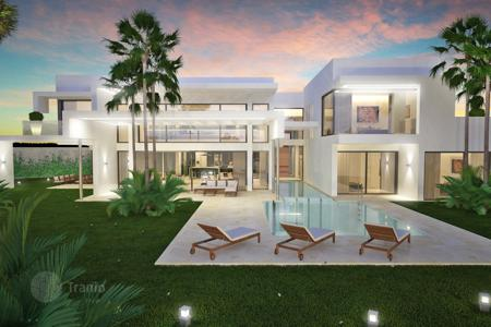 Luxury 3 bedroom houses for sale in Costa del Sol. Villa for sale in Guadalmina Baja, San Pedro de Alcantara