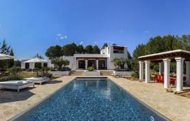 Property to rent in Cala Llonga. Family villa with a pool and recreation areas in Cala Longa, Ibiza, Spain