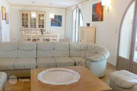 Residential to rent in Sainte-Maxime. Detached house – Sainte-Maxime, Côte d'Azur (French Riviera), France