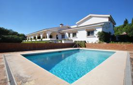 Bright villa with a terrace, a pool and sea views, near the golf course, Sotogrande, Andalusia, Spain for 2,300,000 €