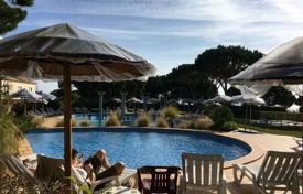 1 bedroom apartments for sale in Algarve. Apartment in a residential complex with a swimming pool, near the beach, Albufeira, Portugal