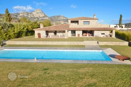 Luxury property for sale in Vence. Villa – Vence, Côte d'Azur (French Riviera), France