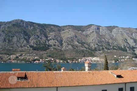 3 bedroom apartments for sale in Kotor. 3 bedroom apartment in the old town of Kotor. One of the best locations, located at the main square and over looking the sea