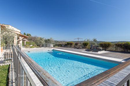 Residential for sale in Tourrettes-sur-Loup. Charming property in Tourettes sur Loup