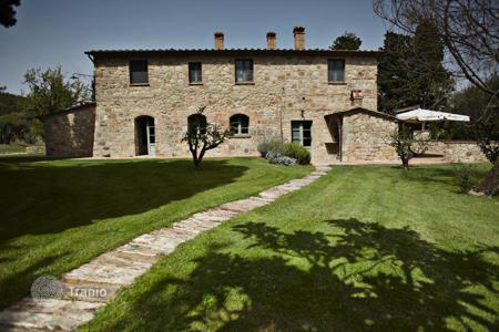 Houses for sale in Cetona. Country house for sale in Tuscany, Cetona