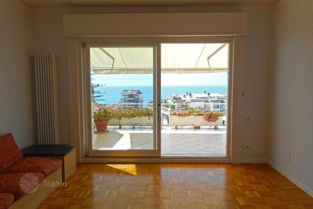 3 bedroom apartments by the sea for sale in Sanremo. Apartment with a large terrace and panoramic views, at 300 meters from the sea, in a prestigious district of San Remo, Italy