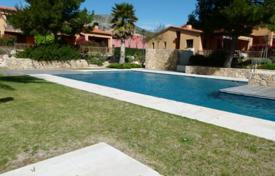 Property for sale in Costa Dorada. Villa with a swimming pool, Mont-roig del Camp, Spain