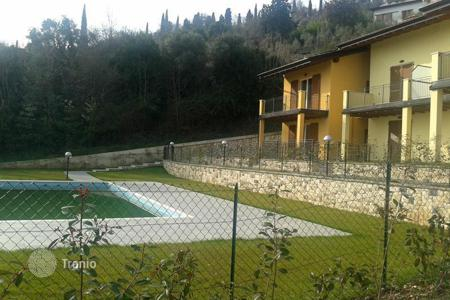 Townhouses for sale in Lombardy. Terraced house - Toscolano Maderno, Lombardy, Italy