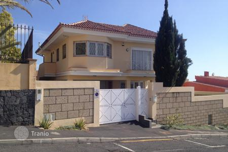 4 bedroom houses for sale in Tenerife. Villa – Adeje, Canary Islands, Spain