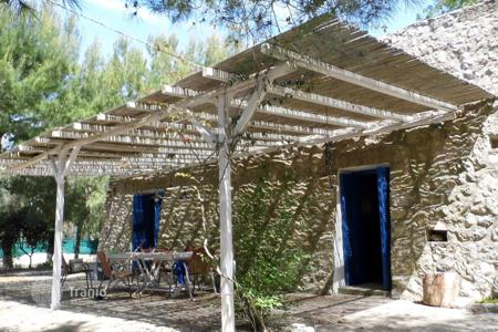 Apartments for sale in Apulia. House converted from an old trullo quadrangular sale in Torre Pali (Salve)