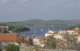 Coastal development land for sale in Brač. Land in Milna on island Brac
