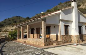 Cheap houses for sale in Andalusia. Villa – Granada, Andalusia, Spain