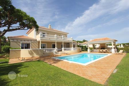 Luxury 3 bedroom houses for sale in Portugal. Villa – Quarteira, Faro, Portugal