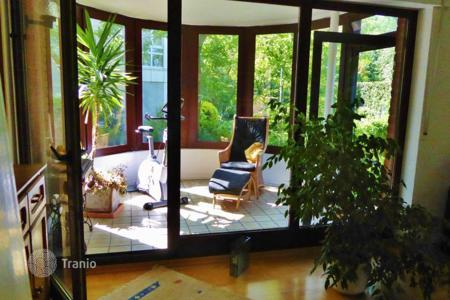 Residential for sale in Cologne. Four room apartment with a terrace and a large garden in Cologne