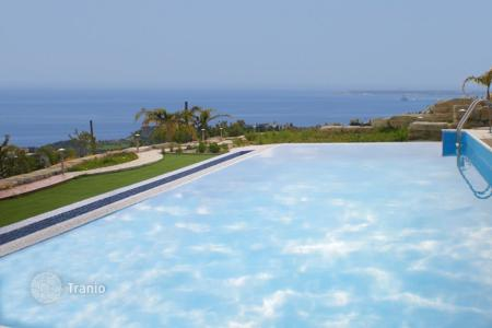 Luxury 5 bedroom houses for sale in Agios Tychon. Six Bedroom Villa